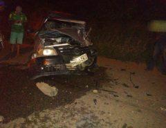[FOTOS] Veículos colidem frontalmente na RN-160 em Macaíba