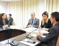 Comissão de Educação aprova projeto sobre liberdade de expressão nas escolas