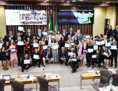 Sociedade dos Poetas Vivos e Afins recebe homenagem na Assembleia Legislativa