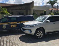 Veículo de luxo roubado é recuperado pela PRF na BR-304 em Macaíba