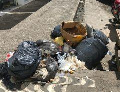Acúmulo de lixo no centro de Macaíba incomoda a população
