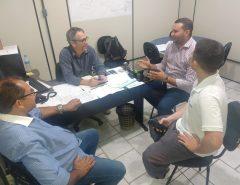 Em reunião com secretário, Emídio Jr. solicita melhorias nas estradas rurais de Macaíba