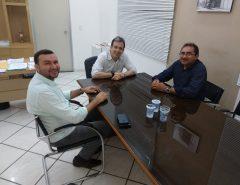 Emídio Jr. e Edivaldo Emídio se reúnem com diretor do Itep