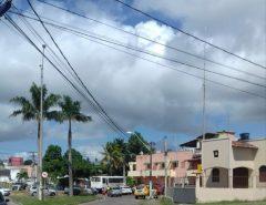 Carros se envolvem em acidente na Avenida Jundiaí, em Macaíba