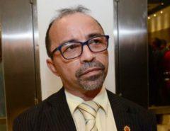 TRE-RN cassa diploma do deputado Sandro Pimentel, mas ele permanece no cargo