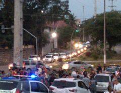 Após roubar veículo em Macaíba, bandidos são perseguidos pela PM e morrem em troca de tiros em Natal