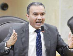 Deputado faz apelo para governadora começar a debater sobre Previdência no RN