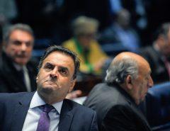 Cúpula do PSDB discute expulsão de Aécio e espera pedido de licença do deputado até agosto