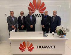 Prefeito Paulinho se reúne com dirigentes da gigante chinesa Huawei