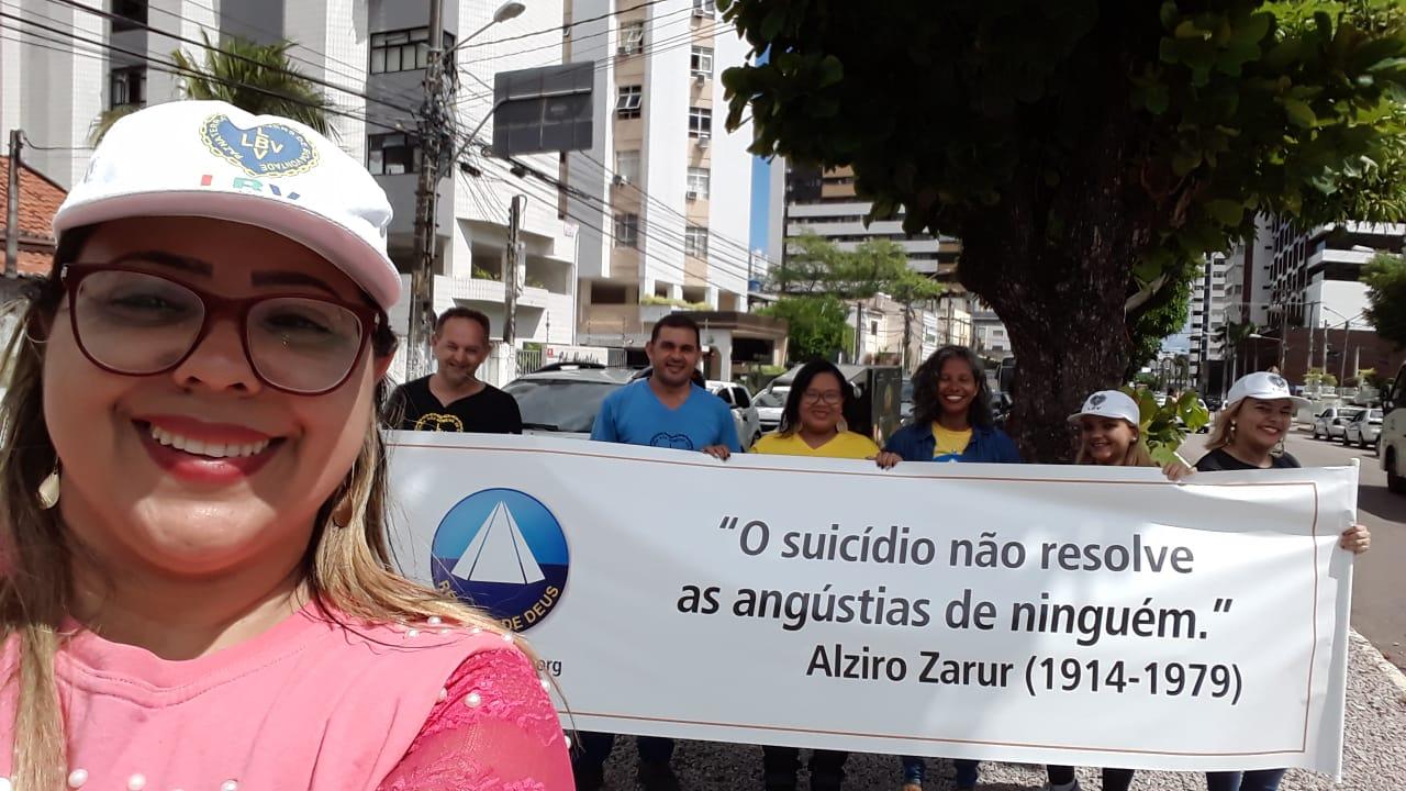 Resultado de imagem para Equipe de voluntários faz panfletagem em defesa à Vida, na capital potiguar.
