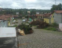 Conjunto Auta de Souza pede limpeza urgente!