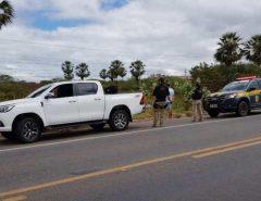 PRF apreende veículo de luxo e prende trio por receptação na BR-304, em Mossoró