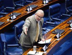 Jean Paul crítica política ambiental de Bolsonaro