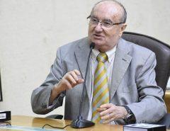 José Dias critica o uso negligente do dinheiro público em obras sem finalização