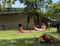 Banho de sol: em nota, UFRN esclarece que vídeo de alunos em trajes de banho é atividade acadêmica