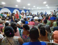 [FOTOS] Moradores da comunidade Bela Vista, que pertence a Macaíba, lota auditório do Parque Aristófanes Fernandes cobrando plebiscito