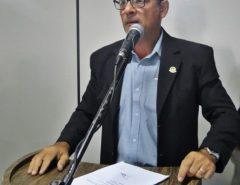 Vereador Zeca Cunha causa polêmica em discurso inflamado