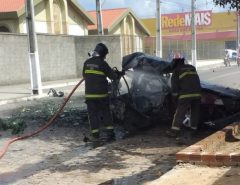 Em Parnamirim, Corpo de Bombeiros Militar combate fogo em veículo