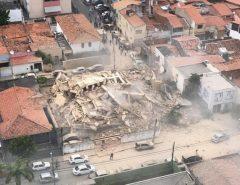 [FOTOS] Prédio residencial desaba em Fortaleza-CE