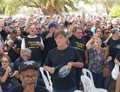 Policiais civis do RN fazem protesto contra proposta do governo para mudanças na carreira