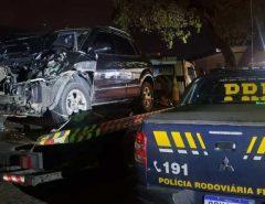 PRF recupera veículo roubado e apreende arma de fogo em Macaíba