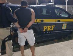 PRF apreende pistola e prende condutor por porte ilegal de arma de fogo na Grande Natal