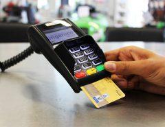 Fisco alerta bares e restaurante sobre uso de máquinas de cartão