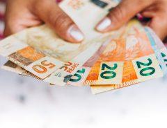Governo adianta primeira parcela do pagamento de outubro nesta terça-feira (15)