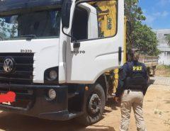 PRF recupera em São José de Mipibu caminhão roubado no Rio de Janeiro