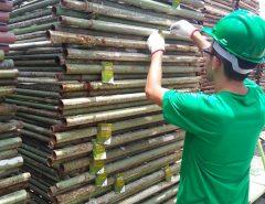 Cosern etiqueta 3 mil andaimes com orientações de segurança em loja de locação no Distrito Industrial de Macaíba nesta quarta-feira (23)
