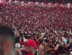 Torcida rubro-negra faz a festa no Rio após a conquista da Libertadores da América