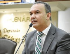 Deputado pede atenção do Governo para casos de suicídios na ponte Newton Navarro