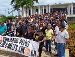Policiais civis protestam na Governadoria e cobram reunião com Fátima Bezerra