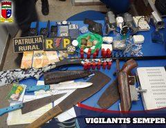 PM apreende armas e drogas utilizadas por facção criminosa em Santo Antonio/RN