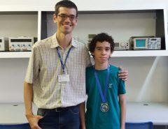 Aluno do Curso Técnico em Informática da EAJ-UFRN conquista medalha de prata na Olimpíada Brasileira de Robótica (OBR)