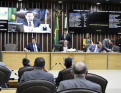 Deputados atendem convocação extraordinária e aprovam mudanças no PROEDI
