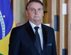 """""""O PT usou as universidades como uma fábrica de militantes"""", diz Bolsonaro"""