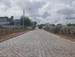 A Prefeitura de Macaíba segue pavimentando várias ruas do distrito de Mangabeira