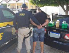 Homem é preso com 20 kg de droga em Acari