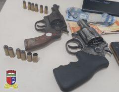 PM detém 06 adultos e apreende 01 adolescente, drogas e 03 armas de fogo