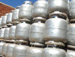 Bolsonaro defende mais engarrafadoras de gás para reduzir preço