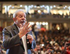 A pedido de Lula, PT cria núcleos evangélicos nos estados para buscar apoio na base religiosa