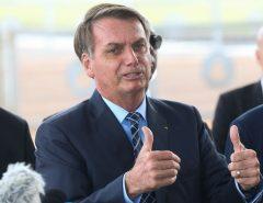 Governo está para enviar reforma administrativa, diz Bolsonaro