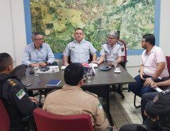 Informe Publicitário: Prefeito recebe comitiva de militares para debater construção de batalhão