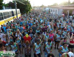 Bloco Traz Folia arrasta multidão no Carnaval de Traíras 2020