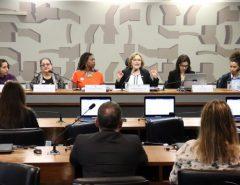 Zenaide defende participação feminina na política e cobra ações de combate à violência contra a mulher