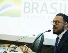 Coronavírus: Após divergências, diretor da linha de frente do Ministério da Saúde se afasta e deve deixar cargo