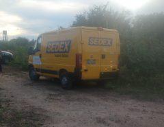 PM recupera carro roubado dos Correios com refém na zona Oeste de Natal