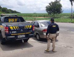 Adolescentes são apreendidos logo após assaltarem motorista de aplicativo na BR 101
