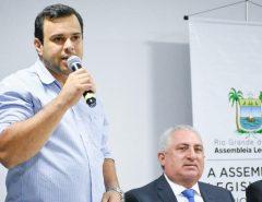Ver. Igor Targino propõe ações para a entrega da Merenda Escolar e Kit de Higiene Pessoal